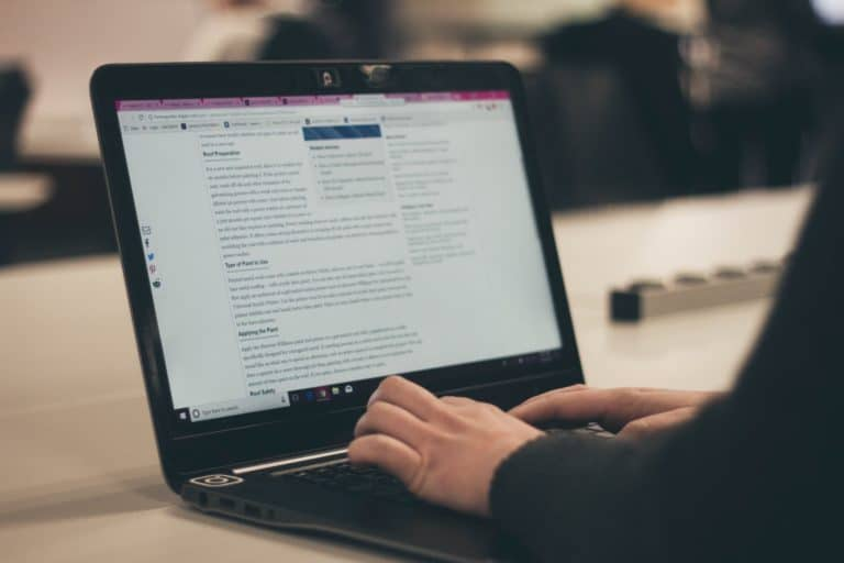 Tech Tools Every Aspiring Blogger Needs